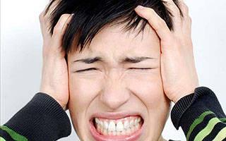 Пульсирующий шум в ухе: причины и лечение