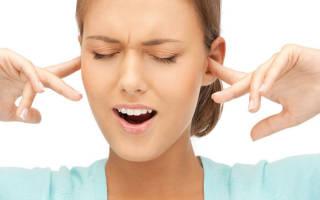 Почему закладывает уши: 10 причин
