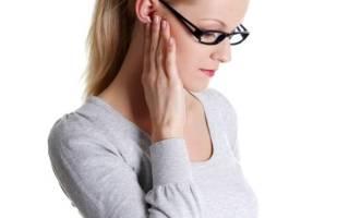 Болит ухо и челюсть с одной стороны: в чем может быть причина